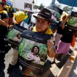 Manifestanti e attivisti chiedono giustizia per la morte di Berta Cáceres a Tegucigalpa, Honduras, il 16 marzo 2016. (Jorge Cabrera, Reuters/Contrasto)